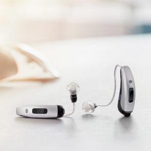 耳掛け型補聴器の両耳装用